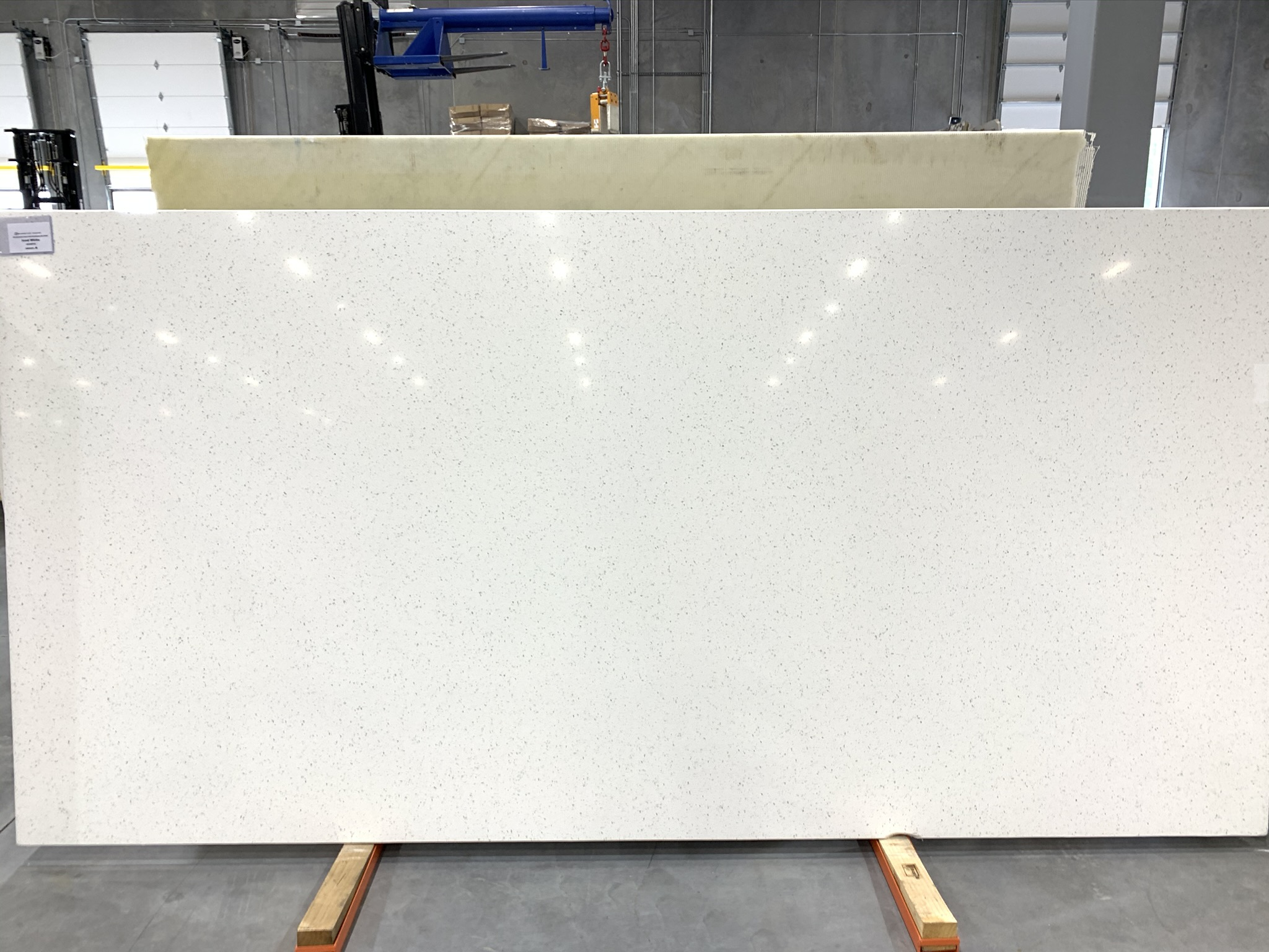 Quartz: Iced White
